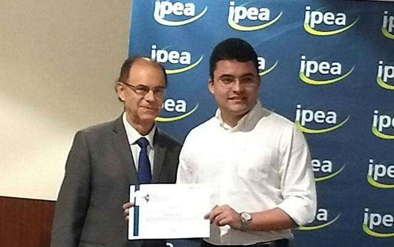 Pesquisadores do Ipece ganham prêmio Ipea-Roberto Campos